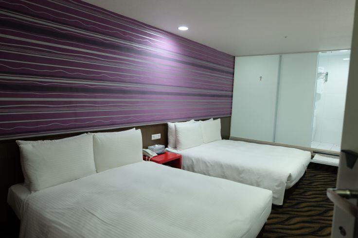 Go Sleep Hotel Hankou高絲旅館漢口 (NTD4250 for 4pax for 2 nights) NTD1202.5 per pax